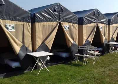 Flexotent festivaltent with made beds